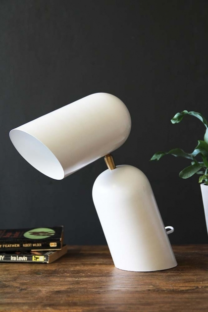 Como Short Circuit Style Desk Lamp - White