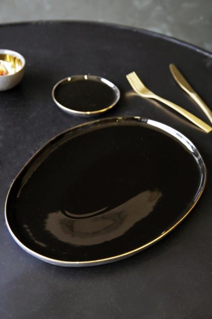 Glossy Noir Platter With Gold Rim