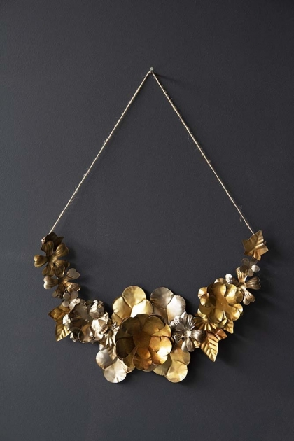 Metal Leaf & Flower Garland Decoration
