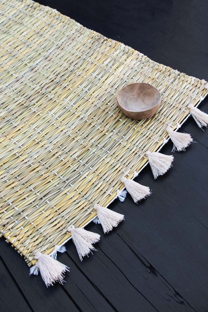 Natural Wicker Placemat With White Tassels