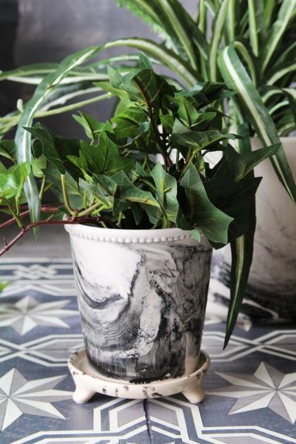 Small Marble Planter with Tray