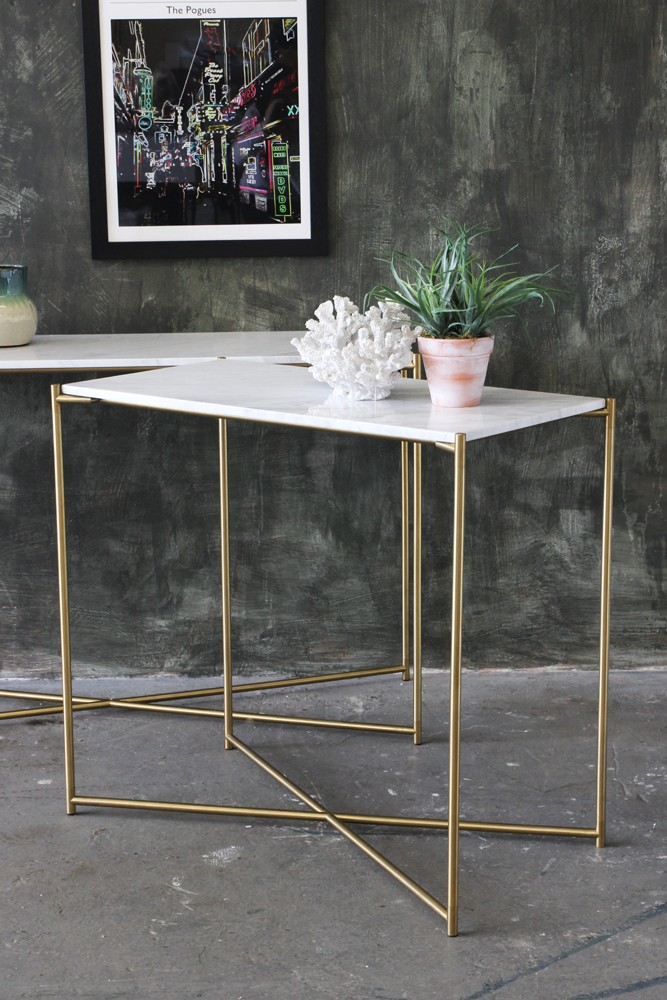 carrara marble console table white marble. Black Bedroom Furniture Sets. Home Design Ideas