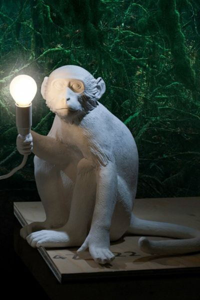 Sitting monkey table lamp white