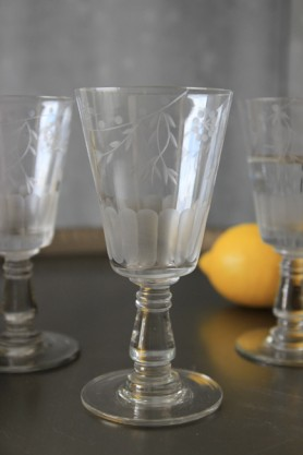 Etched Glass - Wine