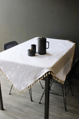 Le Theodore Table Cloth with Pompoms - White