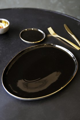 Glossy Noir Platter With Gold Rim