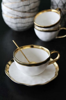 Gold Rim Shell Teacup & Saucer