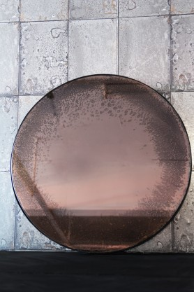 Round Vintaged Mirror With Metal Frame