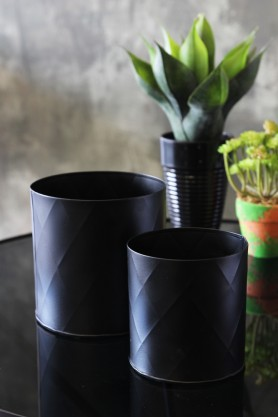 Set Of 2 Black Faceted Planters