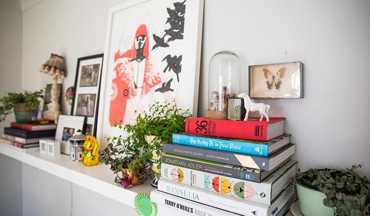 claudia-baillie-home-shelves