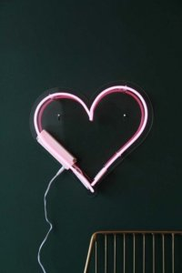 lifestyle image of Love Heart Neon Light in pink