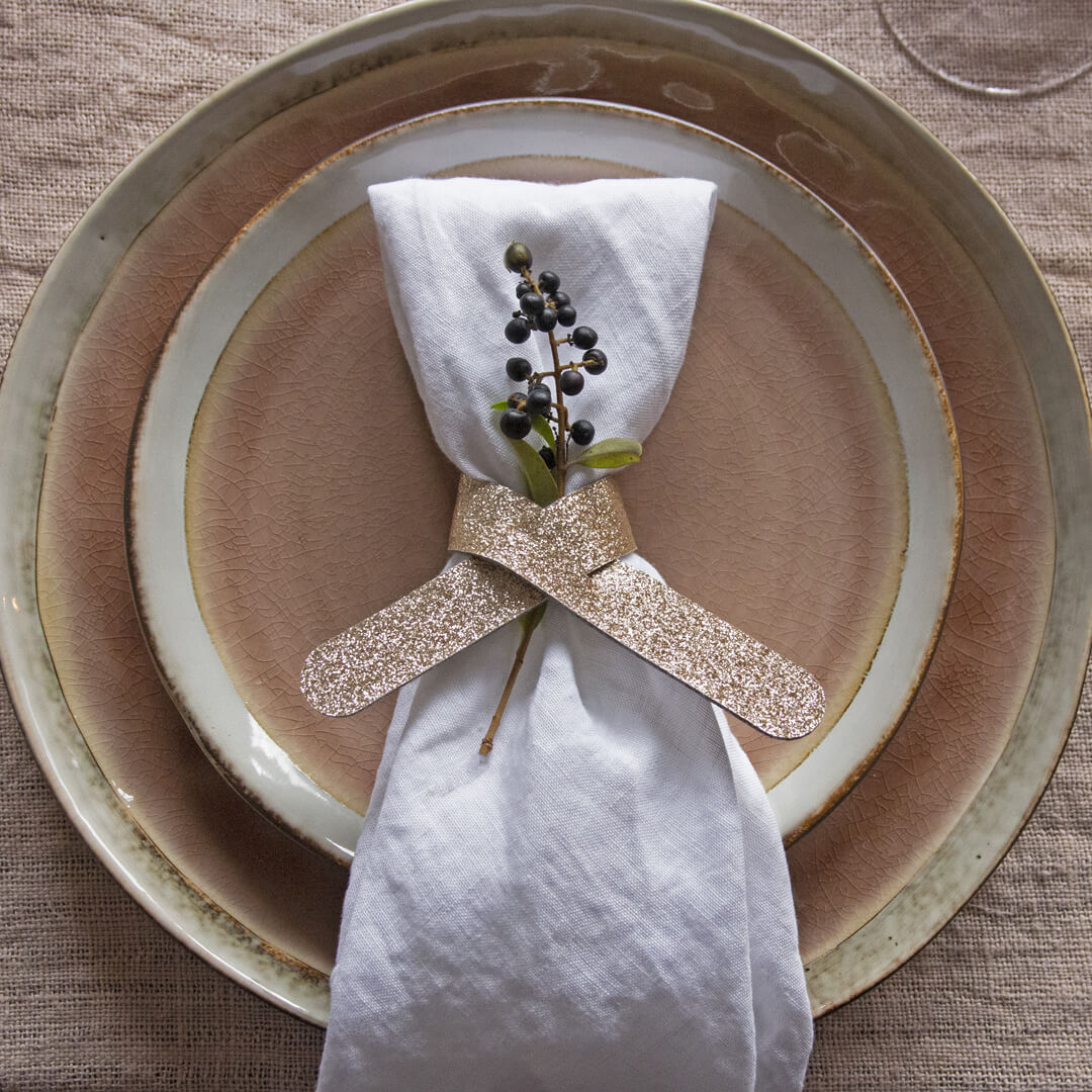 How to Set The Table For Christmas Dinner