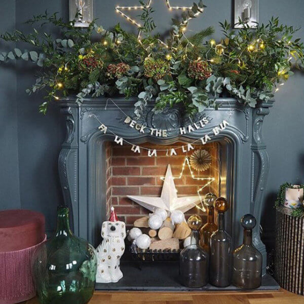 A Beginners Guide to Xmas Fireplace Styling