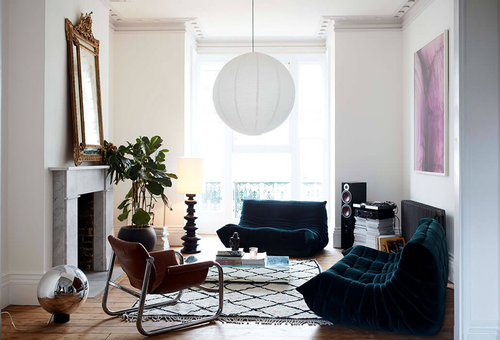 White living room with minimal colour