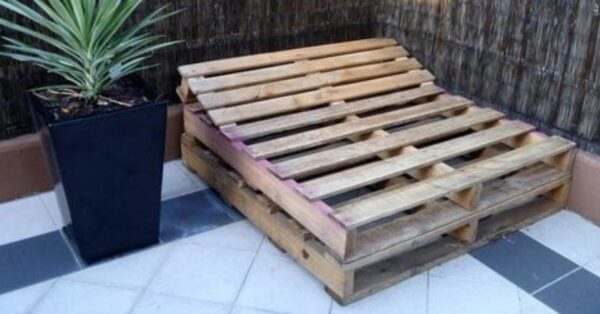 Day bed made from wooden pallets