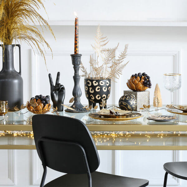 How To Set Your Table For Christmas Dinner