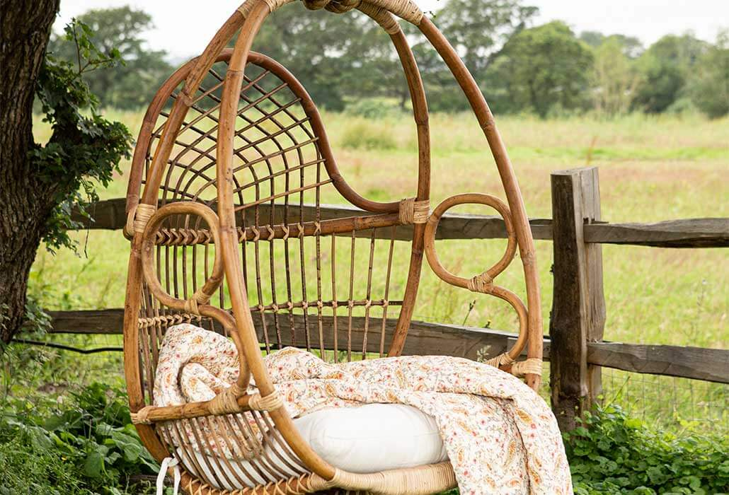 chilled out tunes playlist - featuring swinging chair